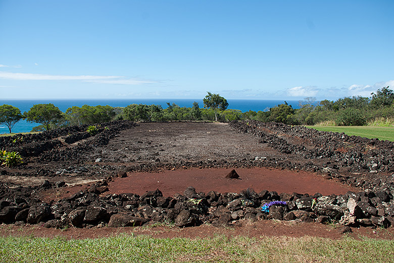 The outline from the Pu'u o Mahuku Heiau above Waimea Bay